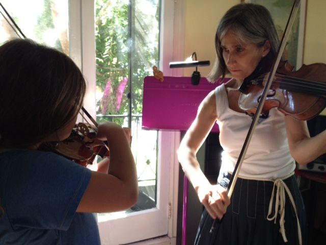Constance Meyer - The Mom-centric method - Music Article on